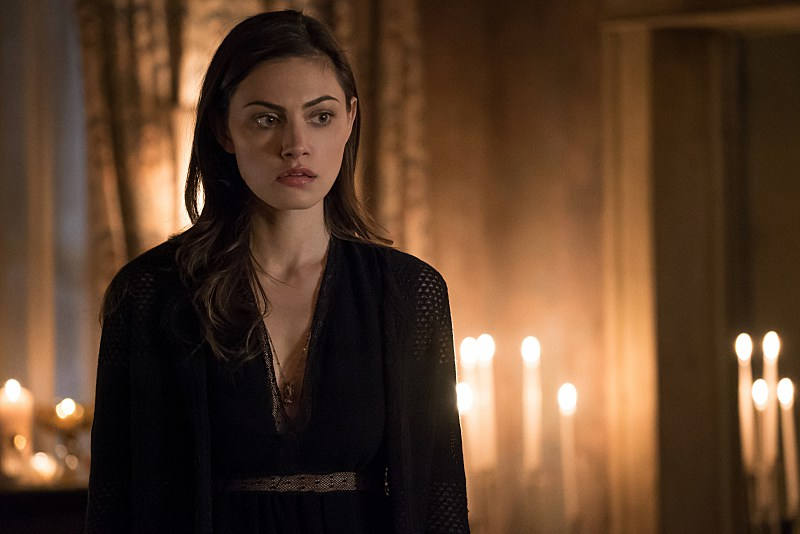 "The Originals -- ""Give 'Em Hell Kid"" -- Image Number: OR321a_0241.jpg -- Pictured: Phoebe Tonkin as Hayley -- Photo: Annette Brown/The CW -- © 2016 The CW Network, LLC. All rights reserved."