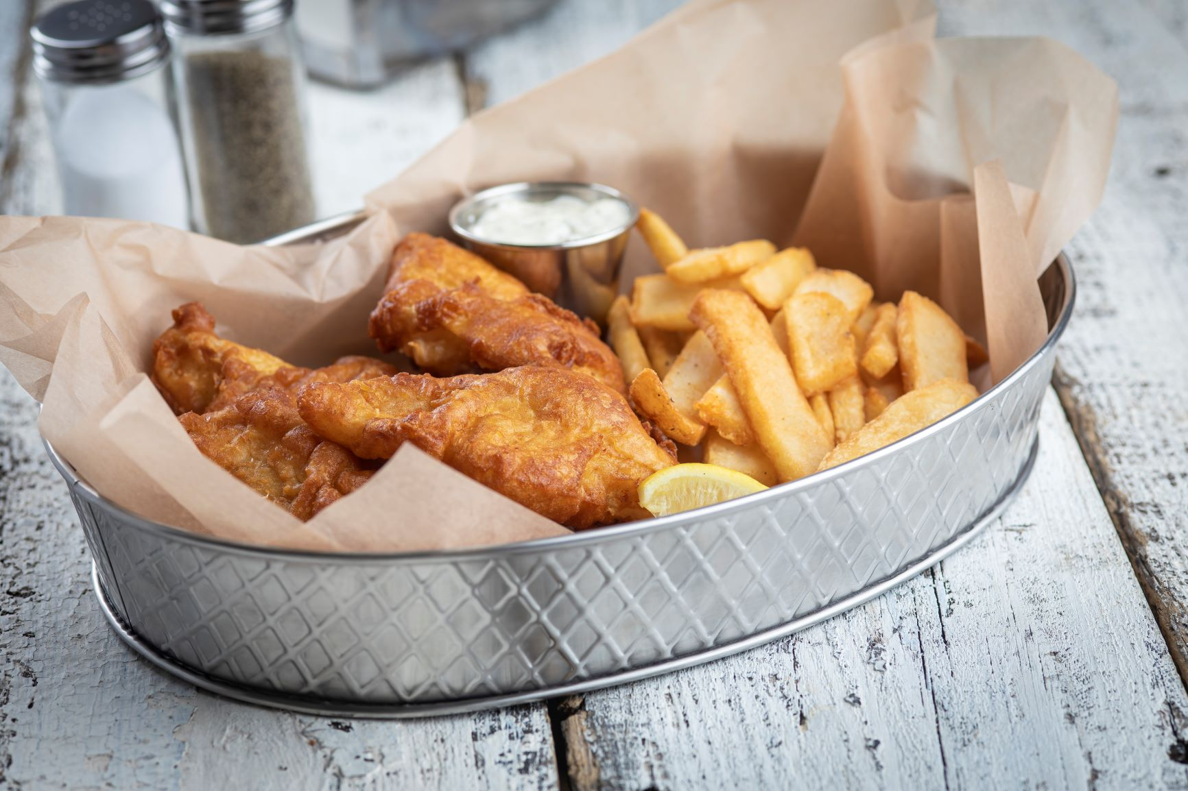 fish and chips in a lattice collection 10037