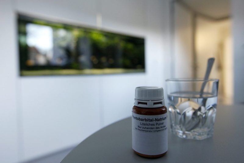 Wann ist ein Leben ist nicht mehr «lebenswert»? Das Schlafmittel Pentobarbital wird oft in der Sterbehilfe angewandt. Foto: Alessandro Della Bella (Keystone)