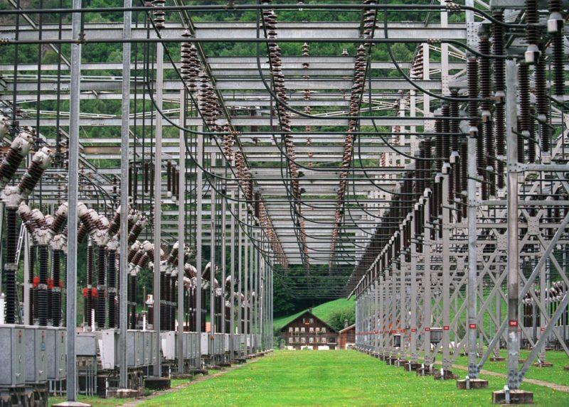 Saubere Sache: Schweizer Strom aus Wasserkraft in einer Trafostation in Innertkirchen BE. Foto: Gaëtan Bally (Keystone)