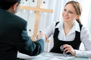 Olvida la entrevista, realiza una evaluación de desempeño en su lugar