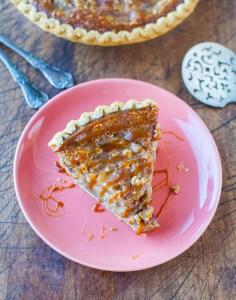 caramel-apple-crumble-pie