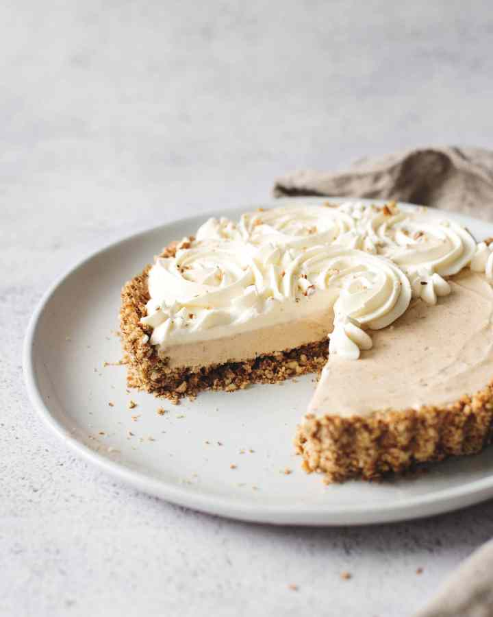 Close up of cut edge of a peanut butter ice cream pie