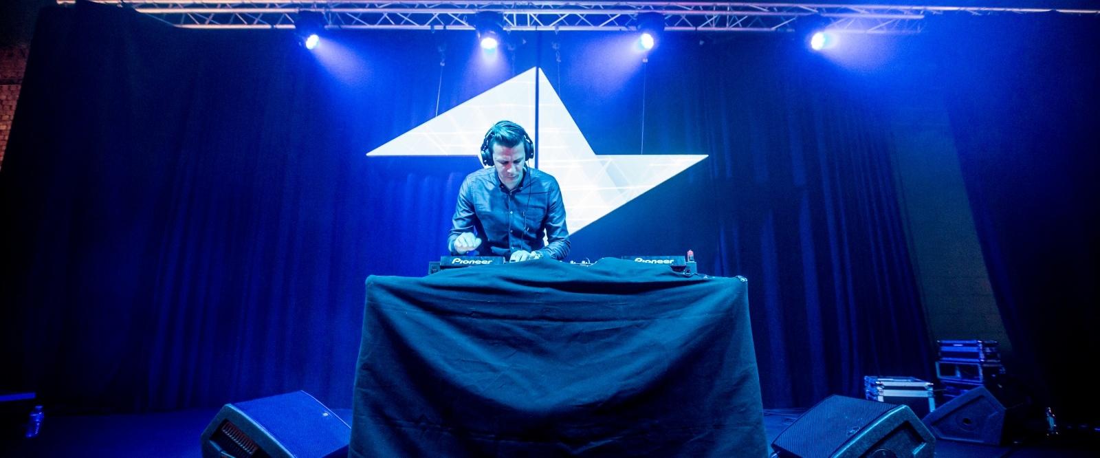 Bass-Tech Soundsystem verzorgt de beats op Work Smarter