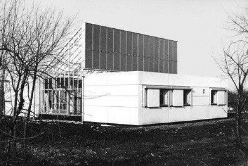 A photo of a zero energy house in Denmark from the 1970s.