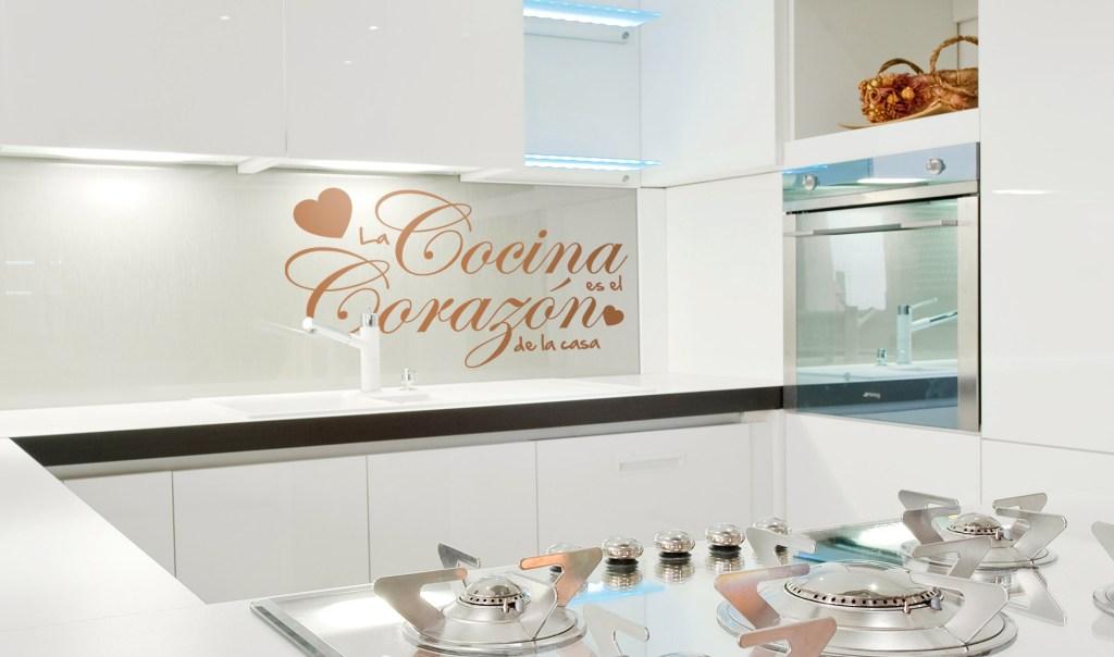 Como decorar tu cocina con vinilos personalizados