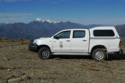On our first collecting day, we set a new elevation record for Te Papa's new 4WD, with 1100 m on Mount Studholme near Waimate. We smashed that with 1700 m on our last collecting day, on top of Marlborough's Black Birch Range. The snow-capped Tapuae-o-Uenuku of the Inland Kaikoura Range is the backdrop. Photo Leon Perrie. © Te Papa.