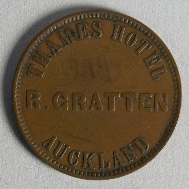Obverse of token issued by R. Gratten of Auckland, 1872, New Zealand, maker unknown. Te Papa (NU002342)