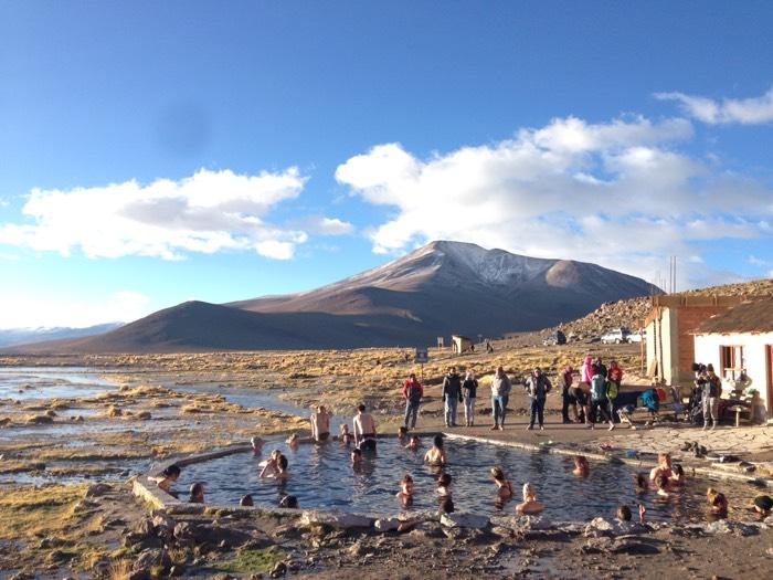 外は氷点下、ウユニの温泉。