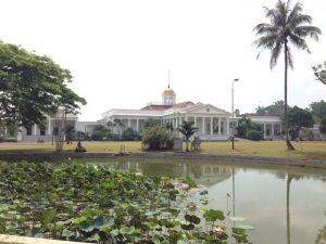 ボゴール植物園の中にあります。インドネシアの独立まで、歴代のオランダ総督、イギリス総督、戦中のジャワ島司令官だった今村中将が住んでいたそうです。