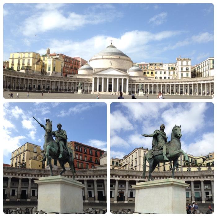 ナポリのプレビシート広場。