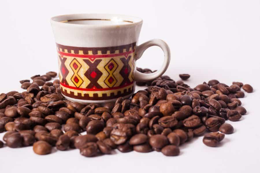 コーヒーに苦味を与える「フェニルインダン」が、認知症を防ぐ!?
