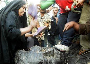 Saddam Statue Shoe Attack