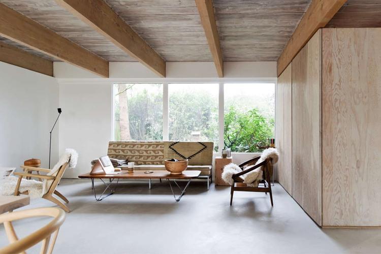 Binnenkijken minimalistisch wonen in de bergen u stijlvol