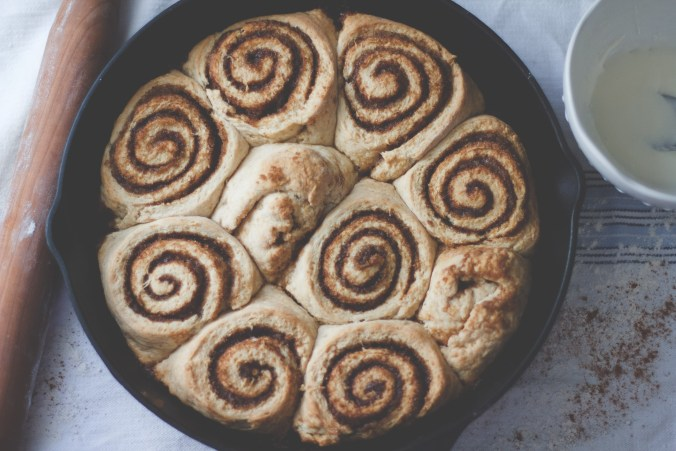 Binn Rolls - Biscuit Cinnamon Rolls : The Everyday Chef and Wife