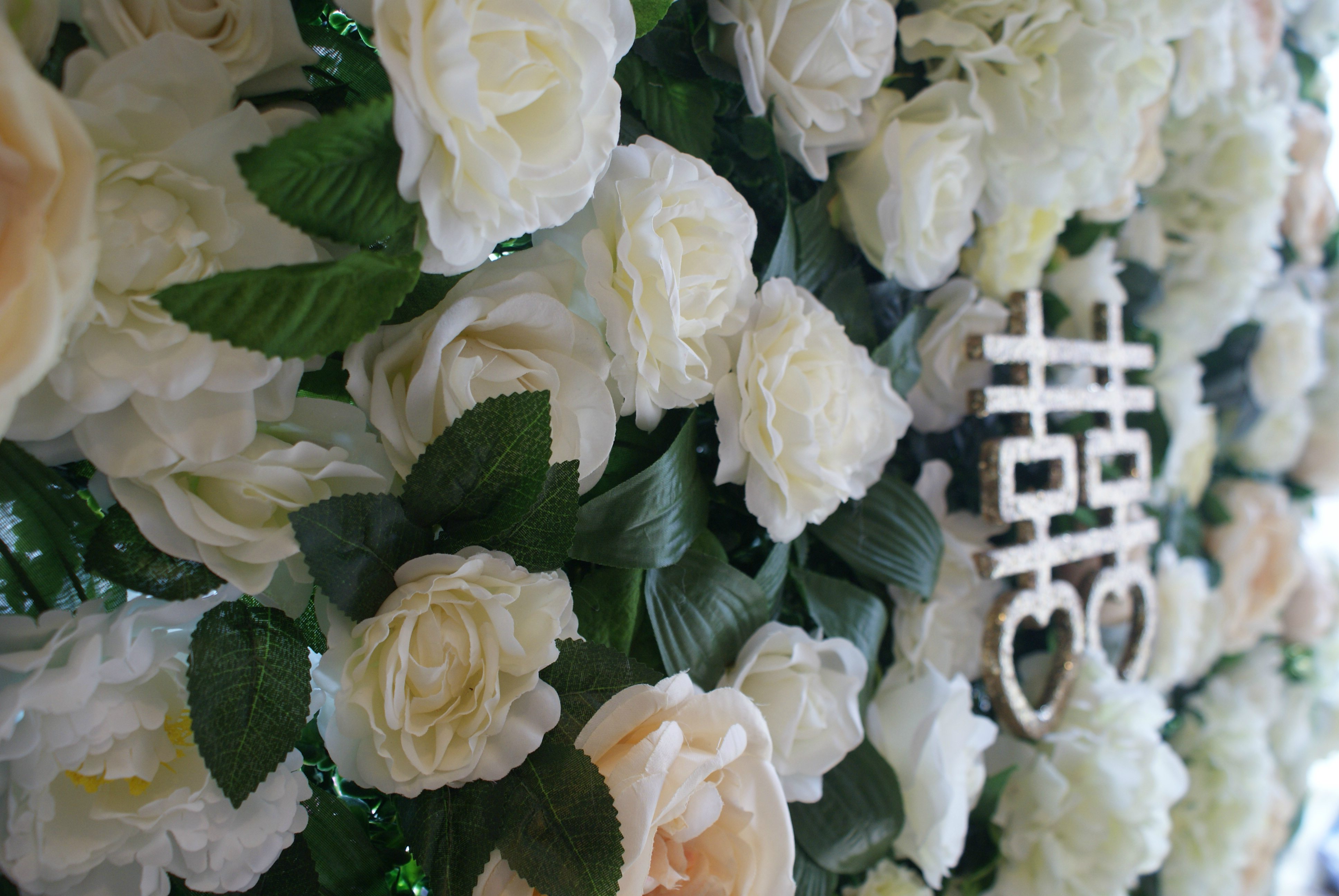 How To Get A Cheap Flower Wall For Your Wedding The Flower Wall