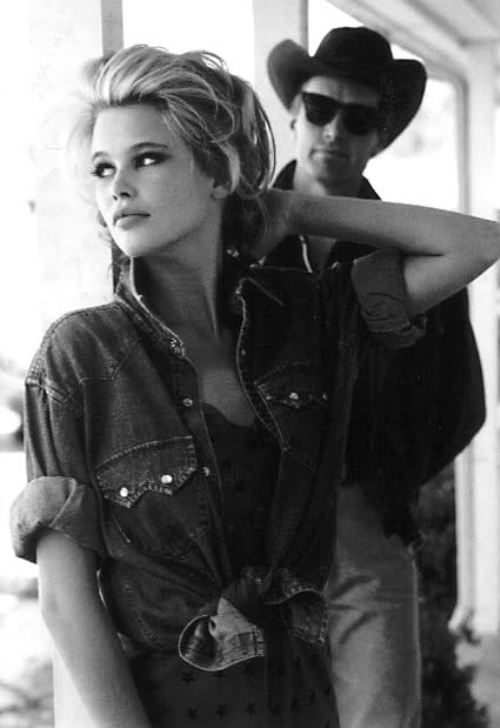 A denim campaign that took the world by storm a la Claudia Schiffer