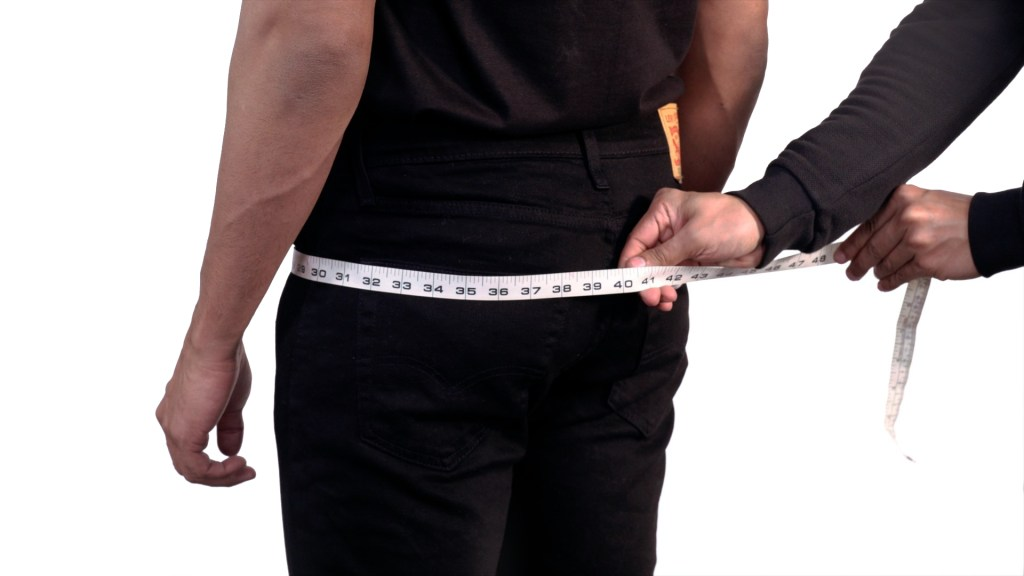 How to Measure Hips