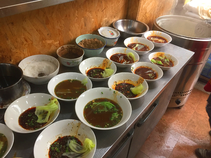 Chengdu noodles sauce bowls