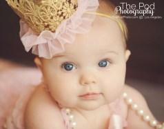 Birthday-Crown-Baby-Girl-Portrait-Photographer