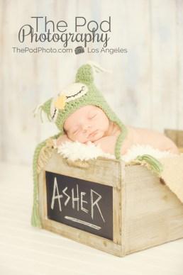 baby-name-box-owl-hat-photo