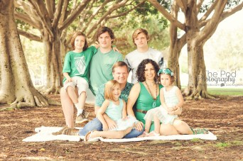 teal-family-photo-shoot