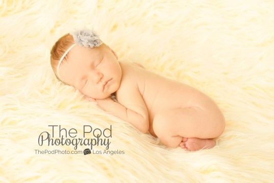 classic-baby-pictures-los-angeles-minimalist-neutral