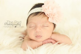 classic-simple-newborn-pictures-los-angeles