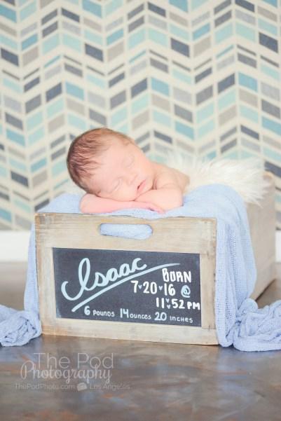 chalkboard-stat-box-best-newborn-photographer-studio-city