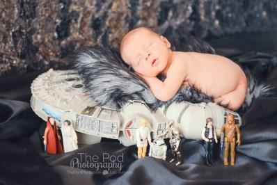 millenium-falcon-newborn-baby-picture