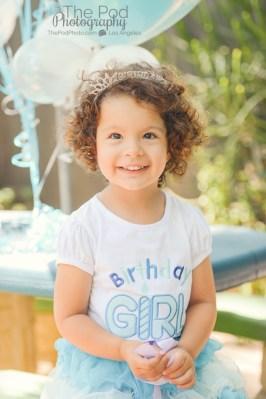 Birthday-Girl-Portraits-Happy-Birthday-Frozen-Theme-Hollywood-Party-Photographer-The-Pod-Photography-How-to-Photograph-A-Birthday-Party