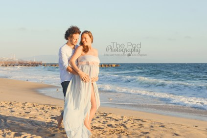 best-maternity-beach-pictures