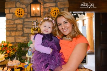 mom-daughter-first-birthday-party-the-pod-photography-los-angeles-westlake-village-inn