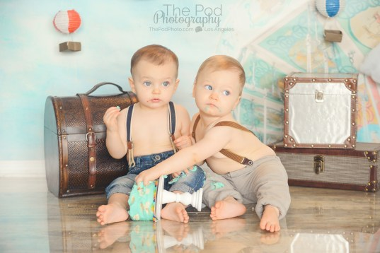 best-twin-first-birthday-cake-smash-photography-west-los-angeles