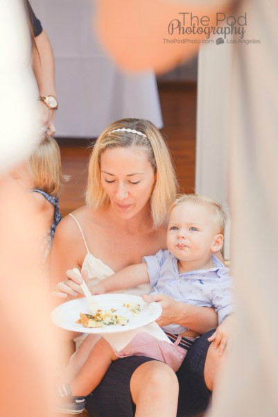 artsy-photo-mom-son-cake-time-susie-cakes-candid-party-photographer-the-pod-photography-los-angeles