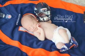 broncos-newborn-picture-football-jersey-photo