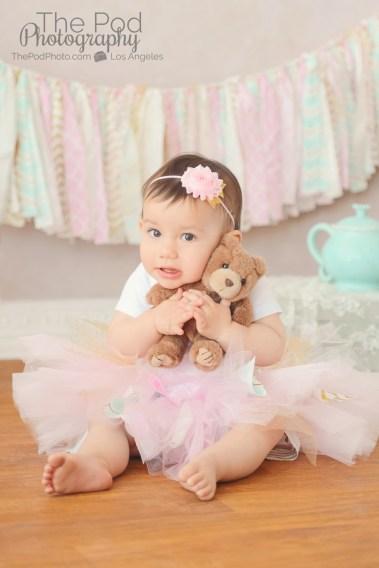 baby-gir-teddy-bear-photo
