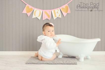 naked-butt-baby-portrait-splash-session-los-angeles