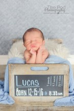 chalkbard-stat-box-manhattan-beach-newborn-professional-photography