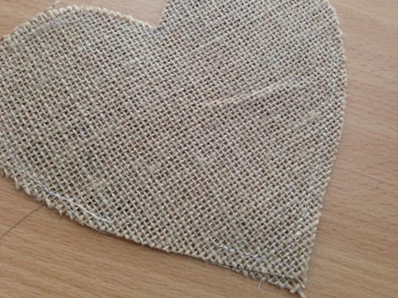 burlap_heart_valentine_garland_11