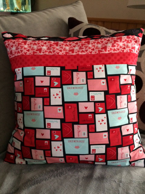 Moda Kiss Kiss Valentine Pillow