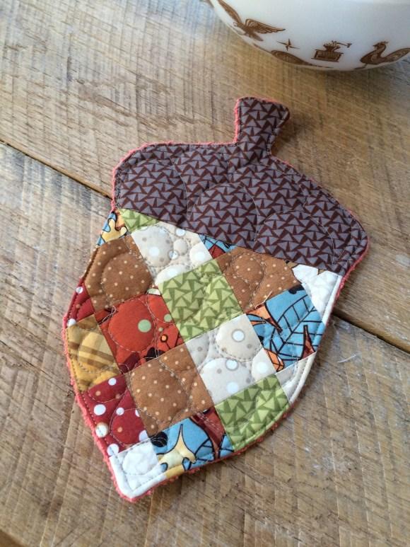 patchwork acorn potholder 19