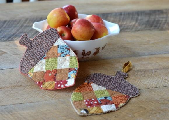 patchwork acorn potholder 4