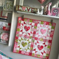 4-Patch Heart Mini Quilt Featuring HeatnBond Lite