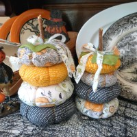 Blend Fabric Stacked Pumpkins with Fabric Fuse Liquid Adhesive