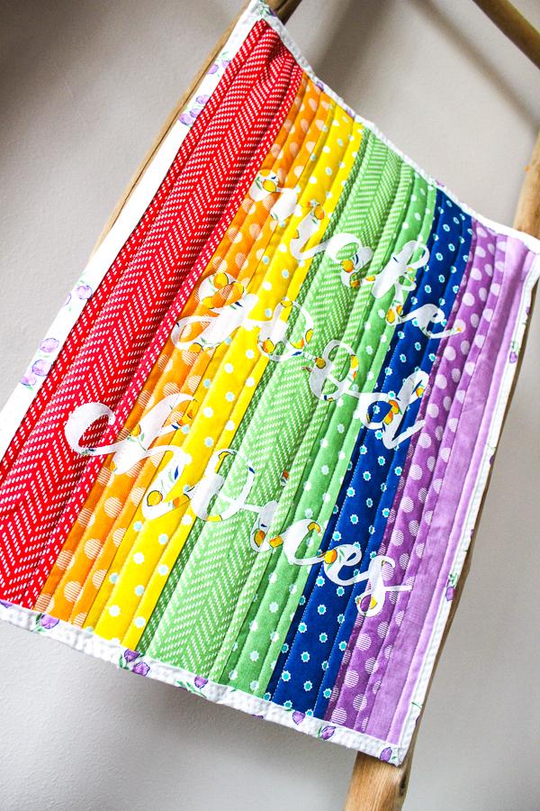 Heat N Bond Applique Rainbow Back to School Mini Quilt   www.blog.thermoweb.com