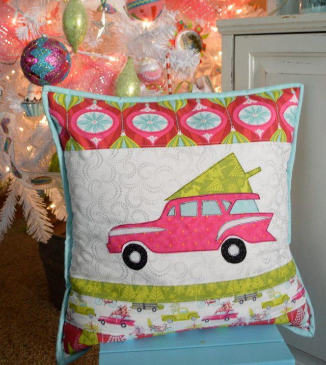 Blend_hip_holiday_throw_pillow_tutorial_christmas_14-804x900