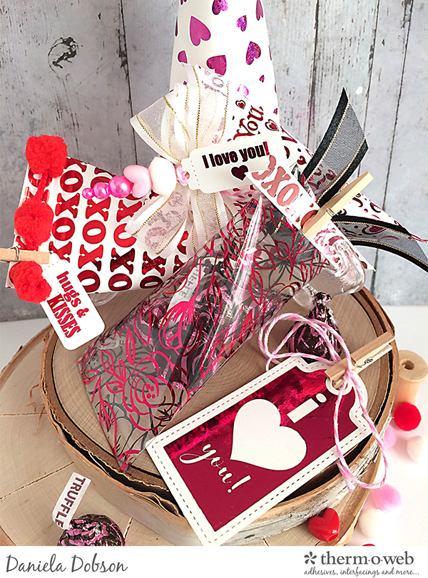 VD Treat boxes by Daniela Dobson for Therm O Web