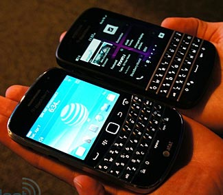 There's precious little visible difference between the new Q10 and an earlier Blackberry Bold (enGadget picture).