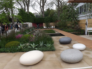 Behind the scenes at Chelsea Flower Show 2013 (press day)